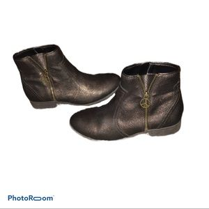 Steve Madden peace ankle boots